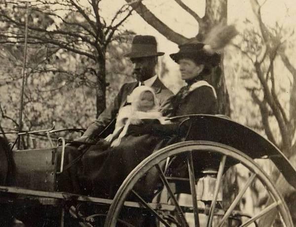 JB Randell Snr, with wife Ella & 1st child Annie - enlarged
