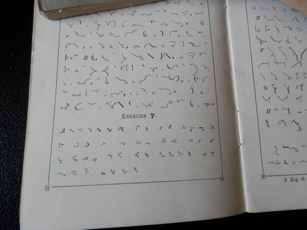 a page in one of the Pitman's Shorthand or Phonography books