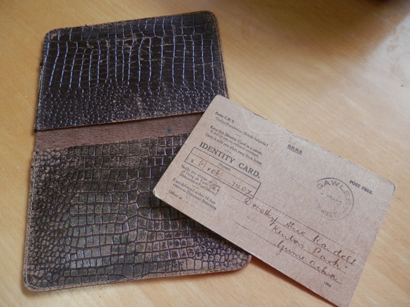 Australian WW2 Identity Card and wallet