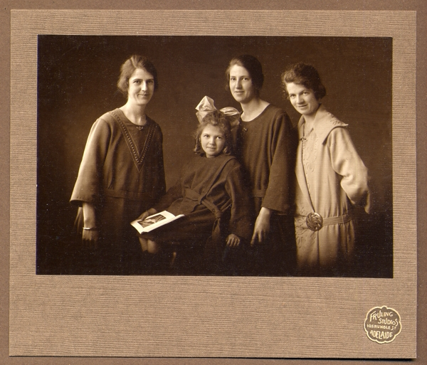 the Randell daughters l-R: May, Evelyn, Dorothy and Ann